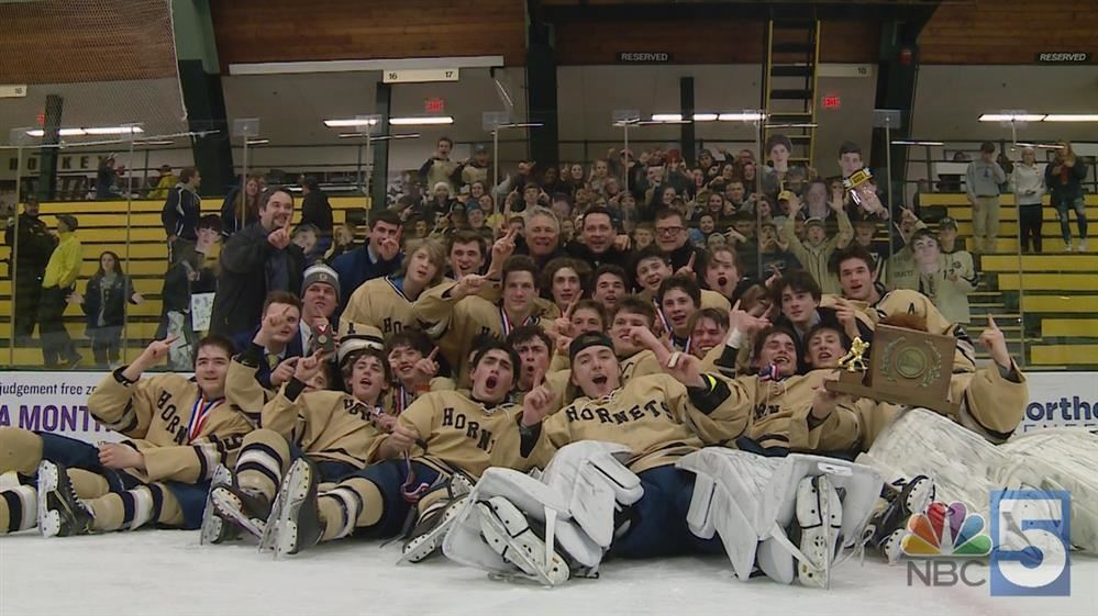 EHS Boys Hockey Team at State Championships